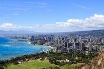 Stati Uniti, Hawaii, Honolulu paesaggio urbano sulla riva — Foto stock