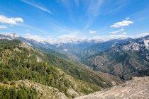 Отмечая мнение красивый пейзаж в Kernville, Калифорния, США — стоковое фото