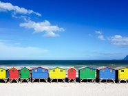South Africa, Western Cape, Cape Town beach with colorful beach houses — Stock Photo