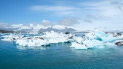 Vista panoramica della laguna del ghiacciaio di Jokulsarlon, Islanda — Foto stock