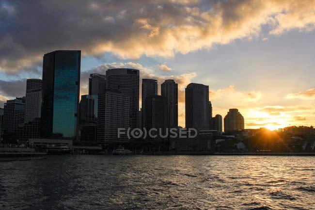 Australia, Sydney, skyline de rascacielos modernos - foto de stock
