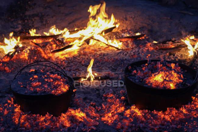 Australie, Alice Springs, feu de camp, Outback — Photo de stock