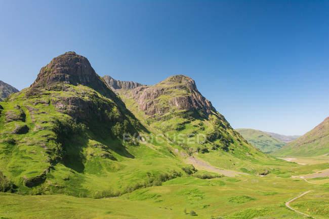 United Kingdom, Scotland, Highland, Ballachulish, Glencoe Highland scenic aerial landscape with green mountains — Stock Photo