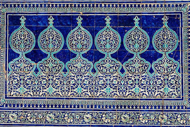 Uzbekistan, Xorazm province, Xiva, ornaments on blue wall — Stock Photo