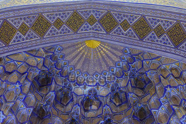 Узбекистан, Самаркандская область, Самарканд, мавзолей Гур Эмир в узбекском городе Самарканд, могила Тимура Ленка — стоковое фото
