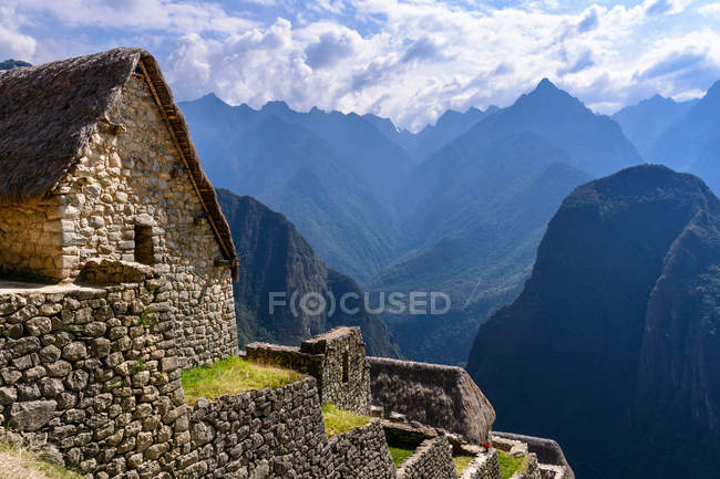 Peru, Cusco, Urubamba, Machu Picchu scenic mountains landscape — Stock Photo