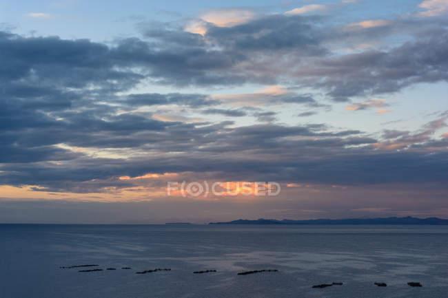 Peru, Puno, Lake Titicaca evening scene — Stock Photo