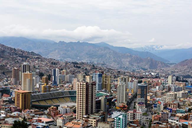 Bolivia, Departamento de La Paz, La Paz cityscape from above — стоковое фото