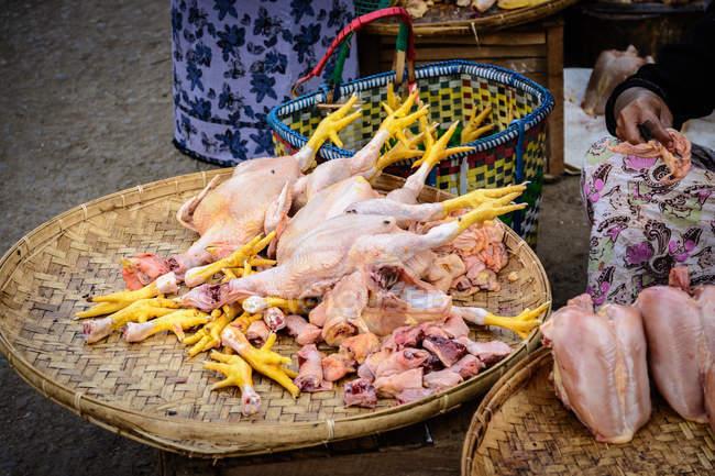 Myanmar (Birmânia), região de Mandalay, Nyaung-U, mercado de rua de agricultores ao ar livre — Fotografia de Stock