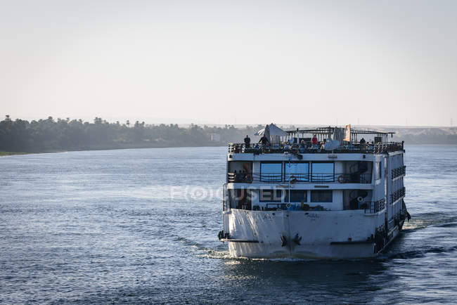 Egypt, Aswan Governorate, Kom Ombo, ferry cruise on the Nile from Edfu to Kom Ombo — Stock Photo