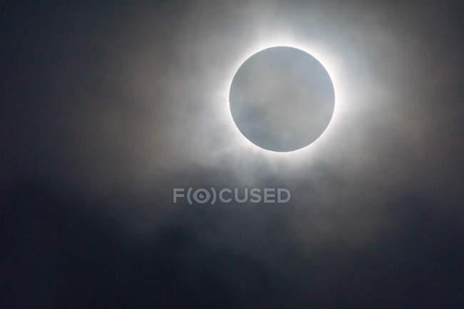 Indonesia, Maluku Utara, Kabupaten Halmahera Timur, Lunar Eclipse on Northern Molikken — Stock Photo