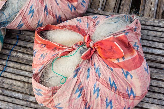 Індонезія, Сулавесі Селатан, Кабупатон Соппенг, пакувальна рибальська мережа, озеро Данау Темпе — стокове фото