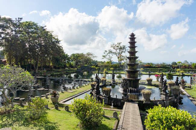 Індонезії Балі, Karangasem, сад води замку братом, красиві архітектурних споруд пташиного польоту — стокове фото