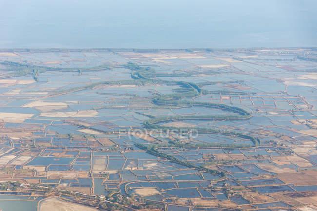 Indonésia, Sulawesi Selatan, Maros, aproximação de desembarque via Makassar — Fotografia de Stock