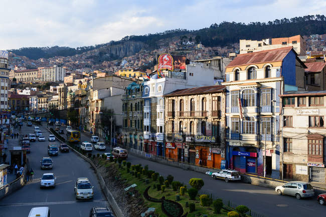 Bolivia, Departamento de La Paz, La Paz city street view from above — Stockfoto