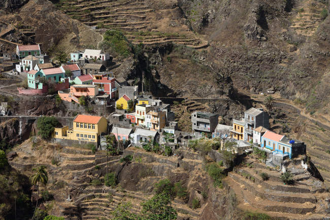 Cabo Verde, Santo Antão, Ponta do Sol, Fontainhas, Pequena aldeia montanhosa de Cabo Verde entre os campos de terraço — Fotografia de Stock