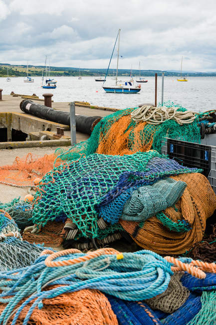 United Kingdom, Scotland, Highland, Cromarty, Black Isle, fishing net on pier at port of Cromarty — Stock Photo