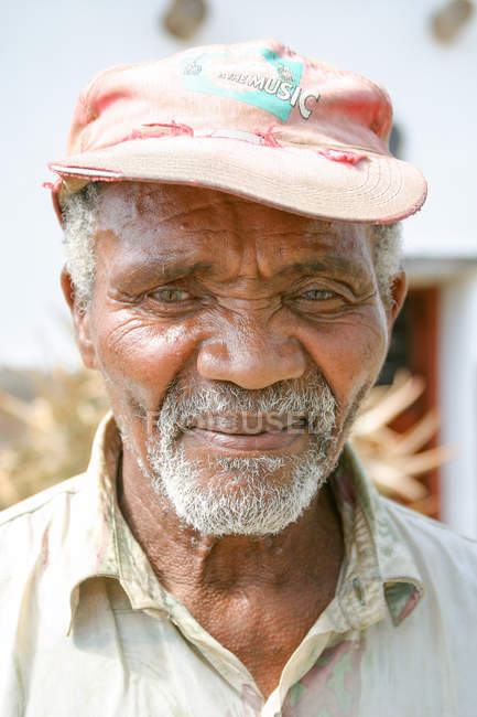 Portrait d'homme âgé moyen de Namibie, Keetmanshoop, Karas — Photo de stock