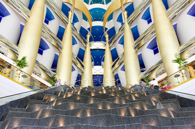 Vereinigte Arabische Emirate, Dubai, Burj el Arab, Lobby des 7-Sterne-hotel — Stockfoto