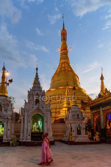 Myanmar (Birmanie), région de Yangon, Yangon, pagode Shwedagon — Photo de stock