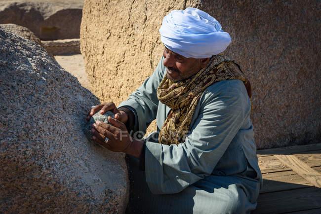 Портрет людина в традиційних мусульманських одяг, Асуан, уряд Асуан, Єгипет — стокове фото