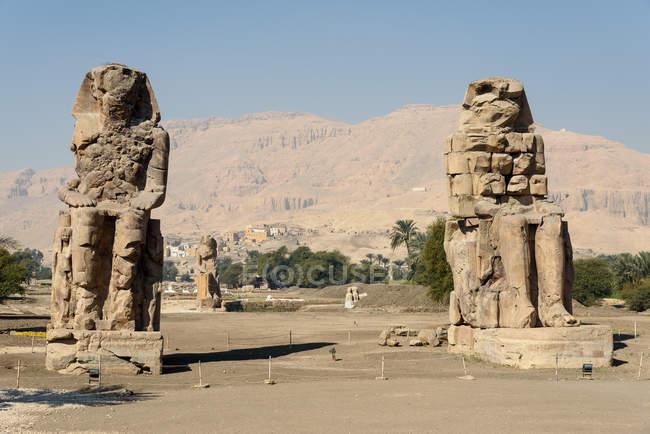Єгипет, нові долини Gouvernement, Фіви захід, Колоси Мемнона — стокове фото