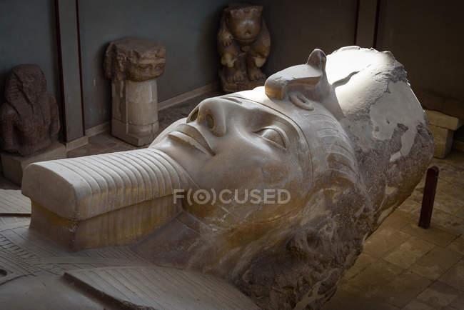 Єгипет, Каїр, Мемфіс, колосальні статуї Рамзеса II — стокове фото
