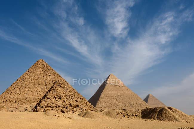 Egypt, Giza Gouvernement, Giza, The Pyramids of Giza — Stock Photo
