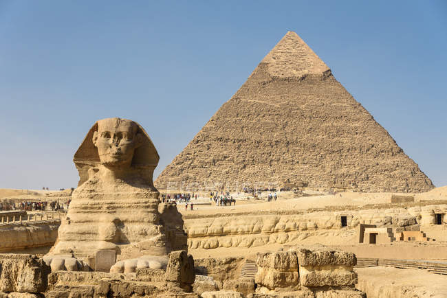 Egypt, Giza Gouvernement, Giza, The Pyramid of Giza and The Great Sphinx — Stock Photo