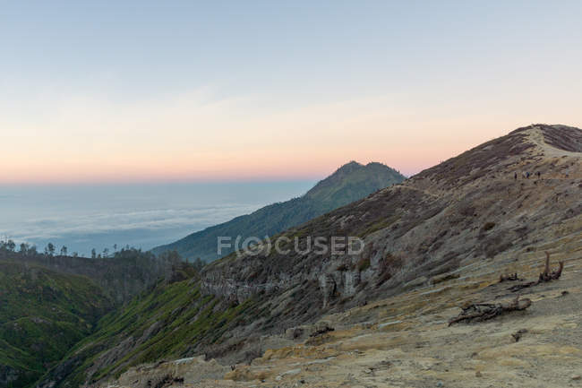 Indonesia, Java, Bondowoso, sunrise at the volcano Ijen — Stock Photo