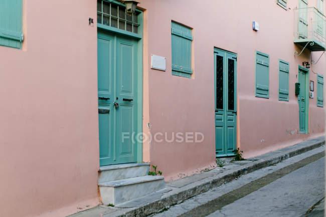 Greece, Attica, Athina, house front in Plaka — Stock Photo