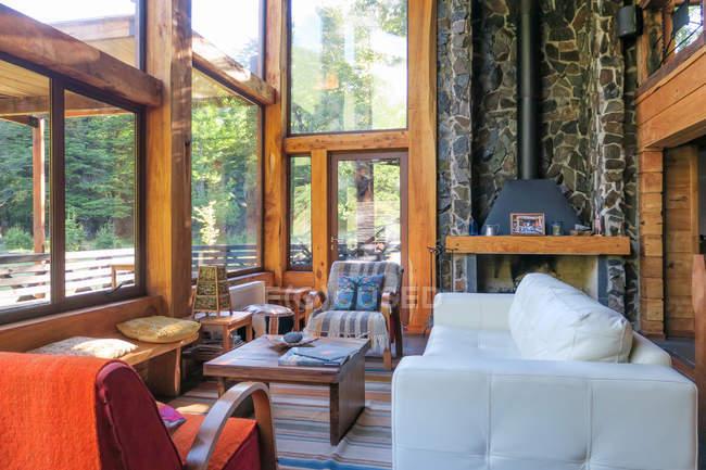Chile, Malleco, interior of house in Malalcahuello — Stock Photo