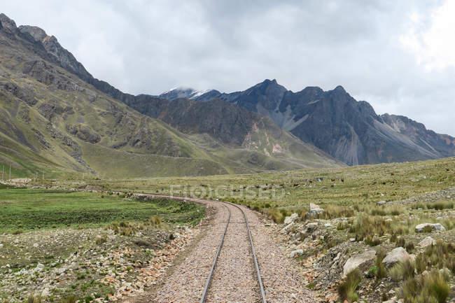 Перу, Qosqo, Qanchi pruwinsya, Анд Пуно до Куско з дослідник андських — стокове фото