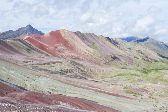 Перу, Qosqo, Куско, поход к Rainbow горы, живописные горы пейзаж — стоковое фото