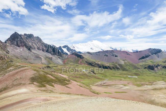 Перу, Qosqo, Куско, спосіб веселка гірський похід — стокове фото