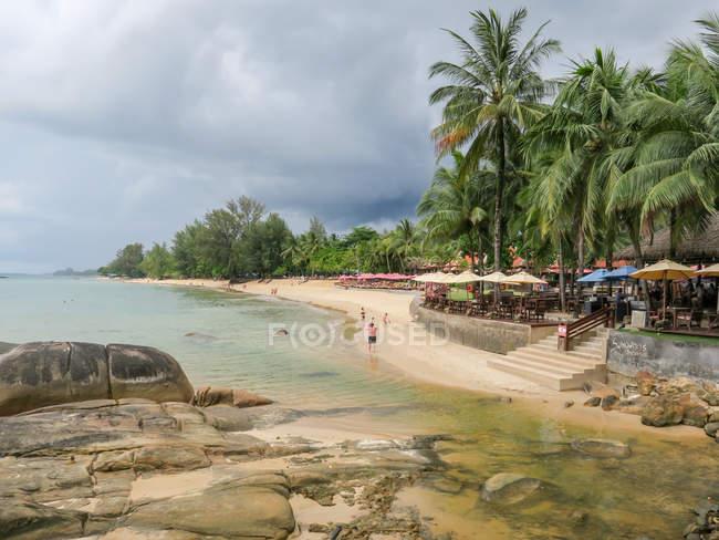 Tailândia, Chang Wat Phang-nga, Tambon Khuekkhak, praia de Sandy no Laguna Resort em Khao Lak — Fotografia de Stock