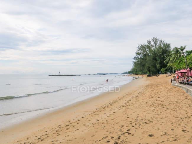 Таїланд, Чанг Wat Пханг Нга, тамбон Khuekkhak, Піщаний пляж курорту Laguna в Khao Lak — стокове фото