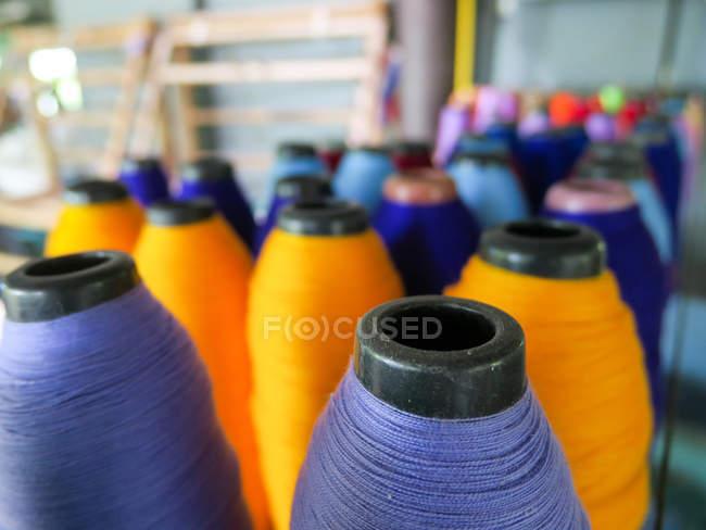 Thailand, Chang Wat Phang-nga, Tambon Khuekkhak, threads in the Saori weaving mill — Stock Photo