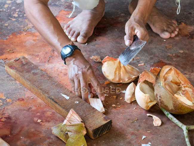 Thailandia, Chang Wat Phang-nga, Tambon Khuekkhak, tradizionale Batiken in Baan Sam Chong Nua — Foto stock