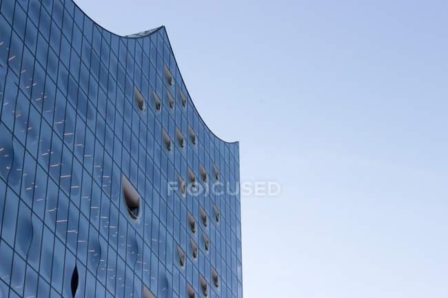 Veduta sulla facciata in vetro della Philharmonie, Amburgo, Germania — Foto stock