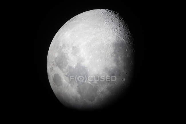 USA, Hawaii, Hawaii County, moon in dark bight sky. — Stock Photo