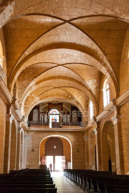Inside of Catedral de la Purisima Concepcion, Plaza de Armas, Cienfuegos, Cuba — Stockfoto