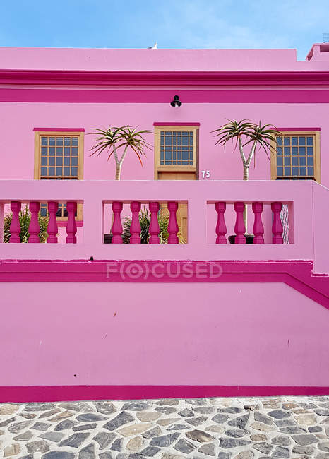 Pink house of Bo-Kaap, Schotsche Kloof, Cape Town, Western Cape, South Africa — стокове фото