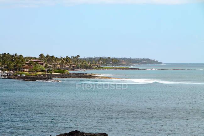 Usa, hawaii, koloa, blick vom sprudelnden horn state park entlang der küste von kauai — Stockfoto