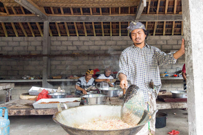 Indonesia, Bali, Gianyar, preparations for the sacrificial festival at Pura Gunung Kawi, Banjar Penaka is called