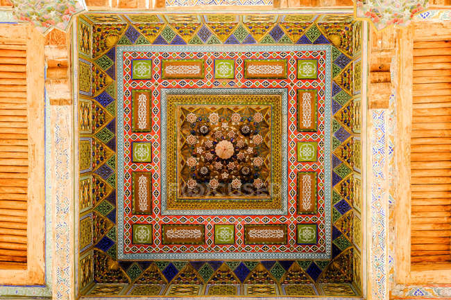 Scenic view of Madrasa ornament in Buxoro, Bukhara, Uzbekistan — Stock Photo