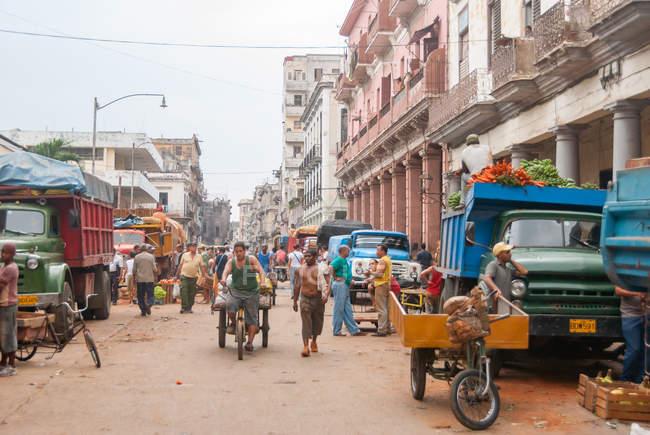 Фрукты и овощи рынка на улицах Гаваны, Куба — стоковое фото