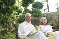 Couple enjoying outdoors — Stock Photo