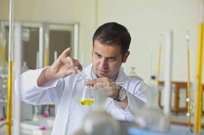 College student working in lab — Stock Photo