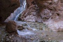 Cascata della gola vicino al fiume Colorado, Grand Canyon, Arizona, USA — Foto stock